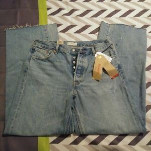 NWT! Levi's Altered Wide Leg Size 32x32 Jeans!